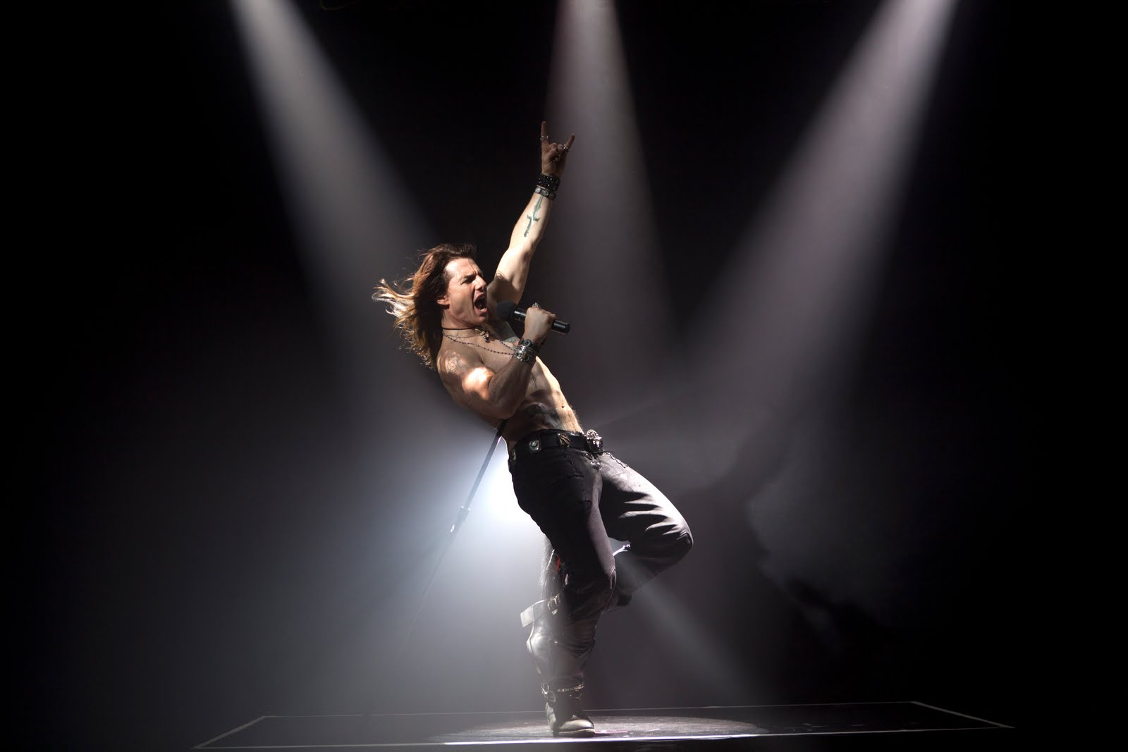 http://3.bp.blogspot.com/-4Fu-AkNYdTQ/T6mzCPb7WII/AAAAAAAABfc/2ShlfScHyqI/s1600/Tom+Cruise+Rock+of+Ages.jpg