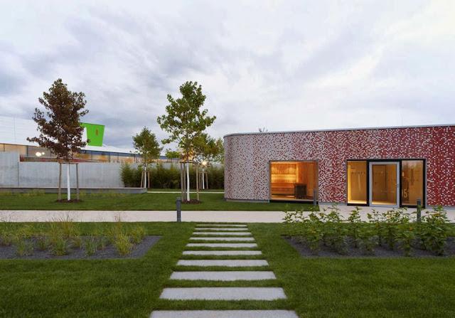 04-Fellbach-Family-and-Recreational-Baths-by-4a-Architekten