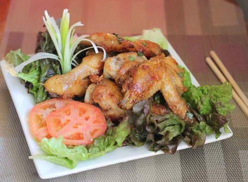 Grilled Chicken Wings with Butter and Garlic - Cánh gà chiên bơ tỏi