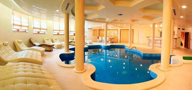 Beautiful swimming pools around the world spa indoor for Best swimming pool designs in the world