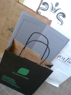 Нанесение логотипа на бумажные пакеты, методом шелкографии