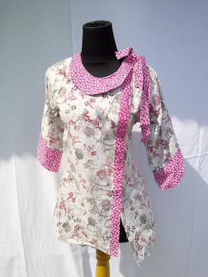 Model Atasan Blus Batik Wanita Modern