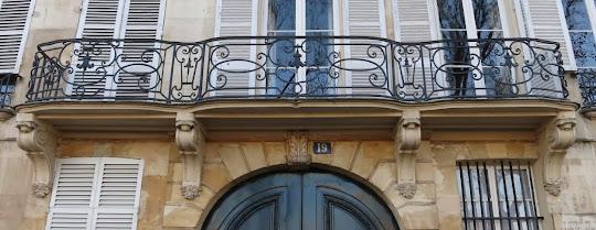 Balcon du 19 quai de Bourbon à Paris
