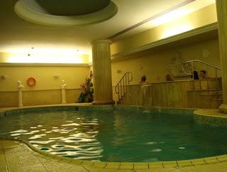 Piscina climatizada Golden Tulip Vivaldi Hotel