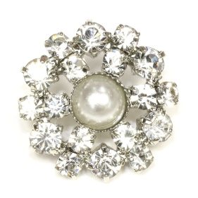 http://www.josyrose.com/p-Art_Deco_Diamant%C3%A9__Pearl_Button_Antique_Silver__18mm-9679.aspx