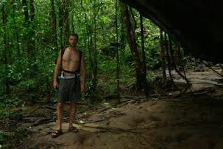 Por el bosque del PN del Río subterráneo