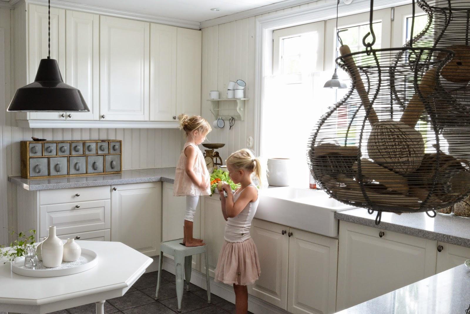 Add: design / anna stenberg / lantligt på svanängen: köksplanering ...