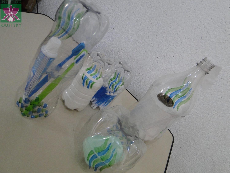 Adesivo De Banheiro Pastilha ~ Blog do Instituto Kautsky Kit para banheiro feito com garrafas PET