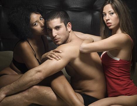 Cerita Seks Bergambar | Threesome Seks