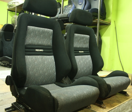 Dingz garage seat recaro njoy lancer gsr for Garage seat 78