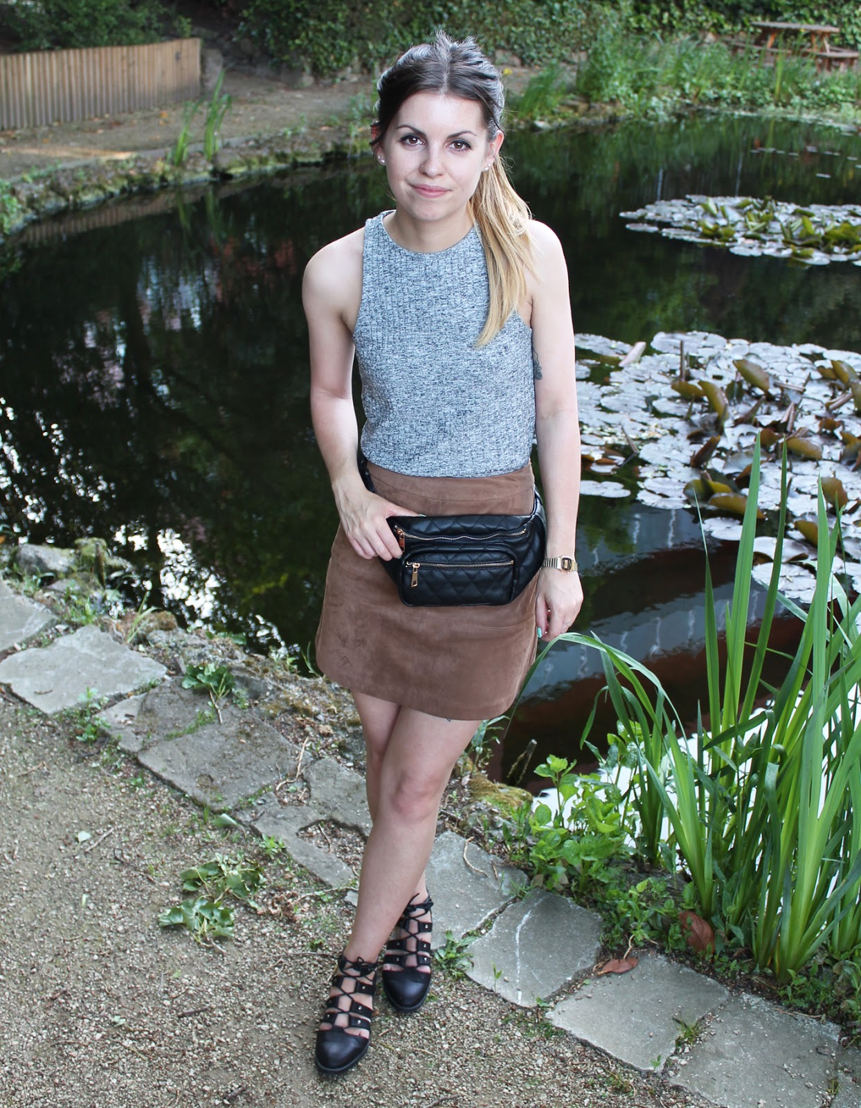 Sweet Monday, Outfit, New Look Fashion Timeline, 90's style, suede a-line skirt
