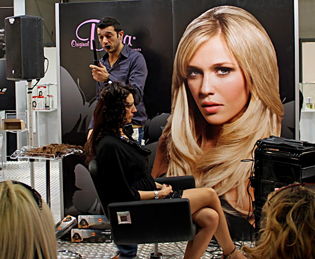 hair styling demonstration
