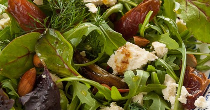 Carolines blog salade met dadels en turkse schapenkaas for Ver mangeur de salade