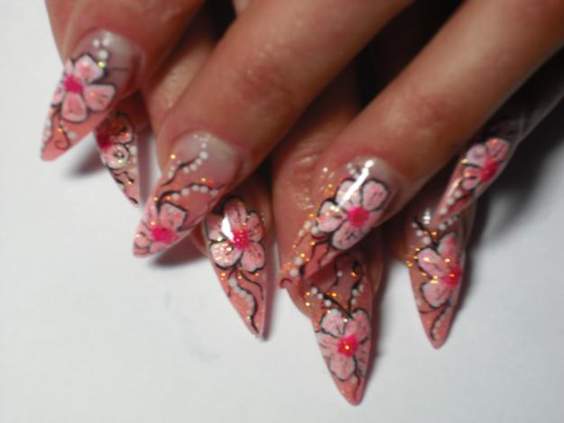 Teenage Glam: Gel Nail Art Designs