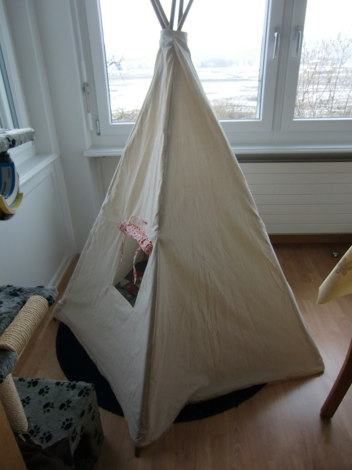 die gute pfarrfrau ein tipi f r 39 s kinderzimmer. Black Bedroom Furniture Sets. Home Design Ideas