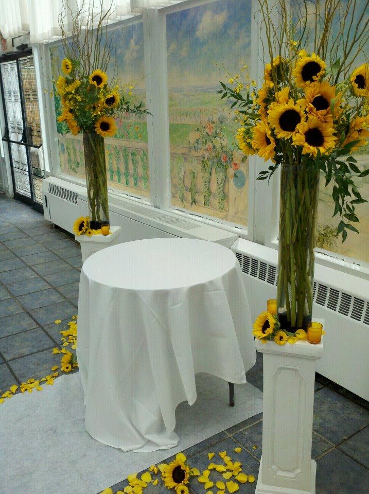 Savannahs Garden Looking Back At Nicoles Sunflower Wedding At The Flanders Hotel In Ocean