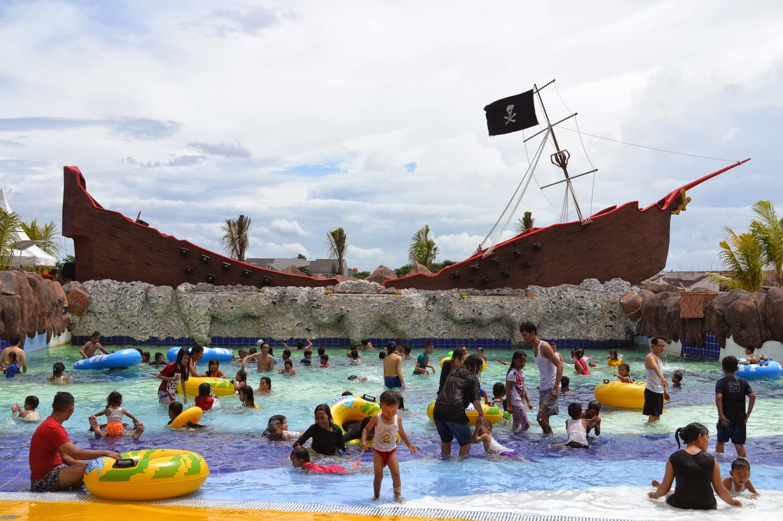 gambar kolam ombak