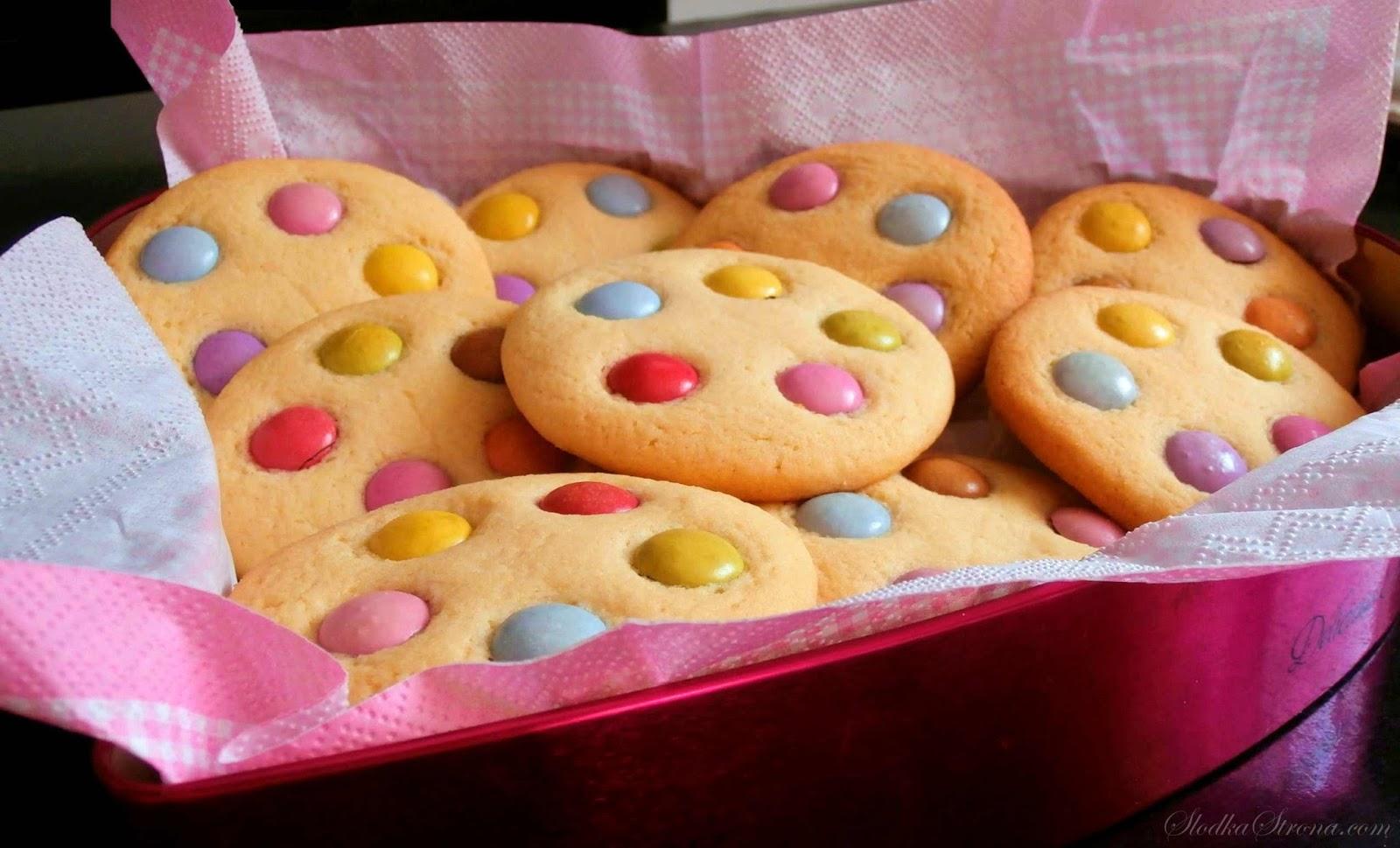 Kolorowe Ciasteczka z Lentilkami - Przepis - Słodka Strona