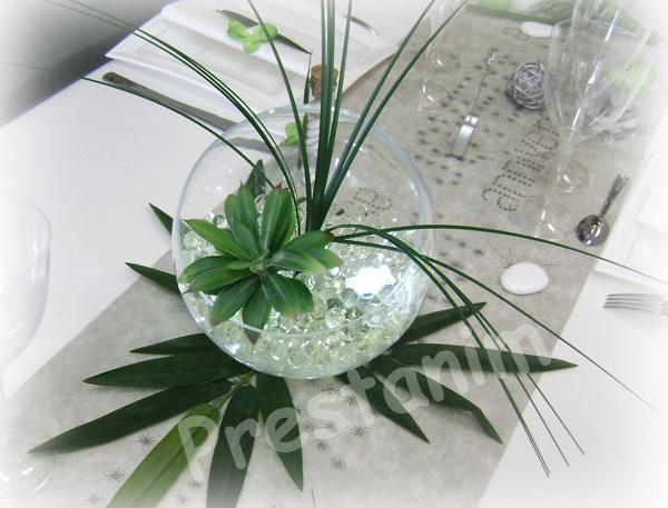 Ma d coration de mariage d corations table anniversaire for Centre de table bambou