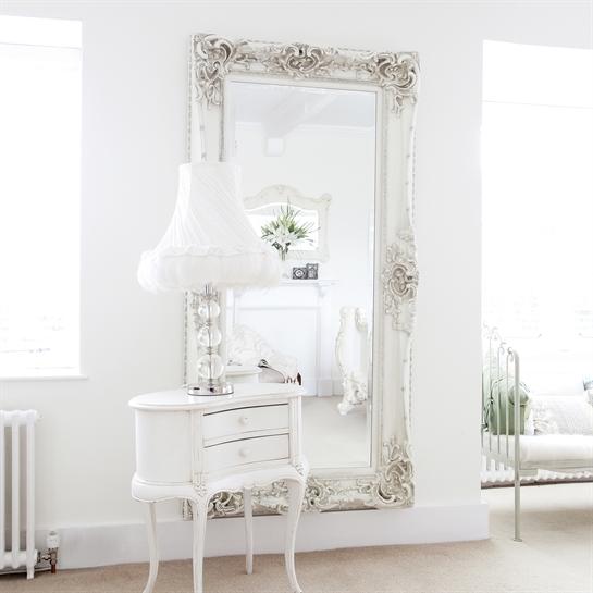Vivre shabby chic lo specchio in casa idee e - Specchio ovale shabby chic ...