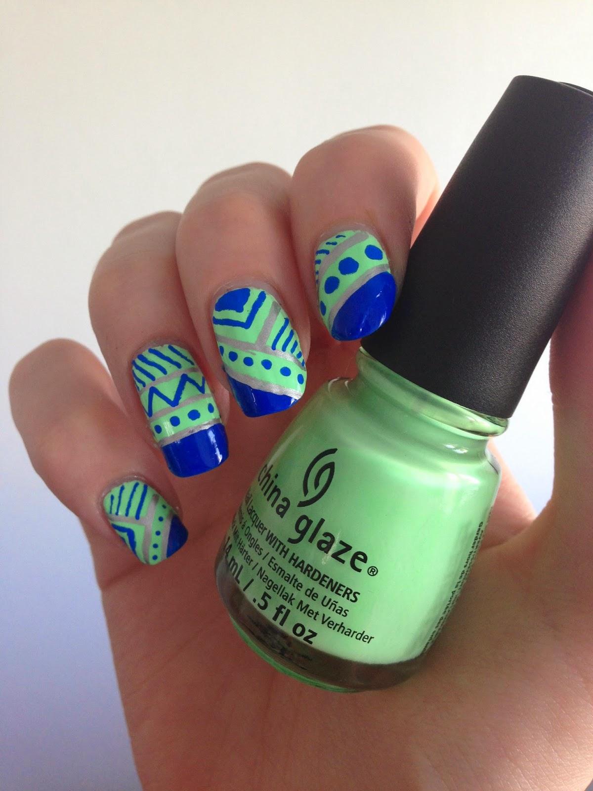nail art géométrique été