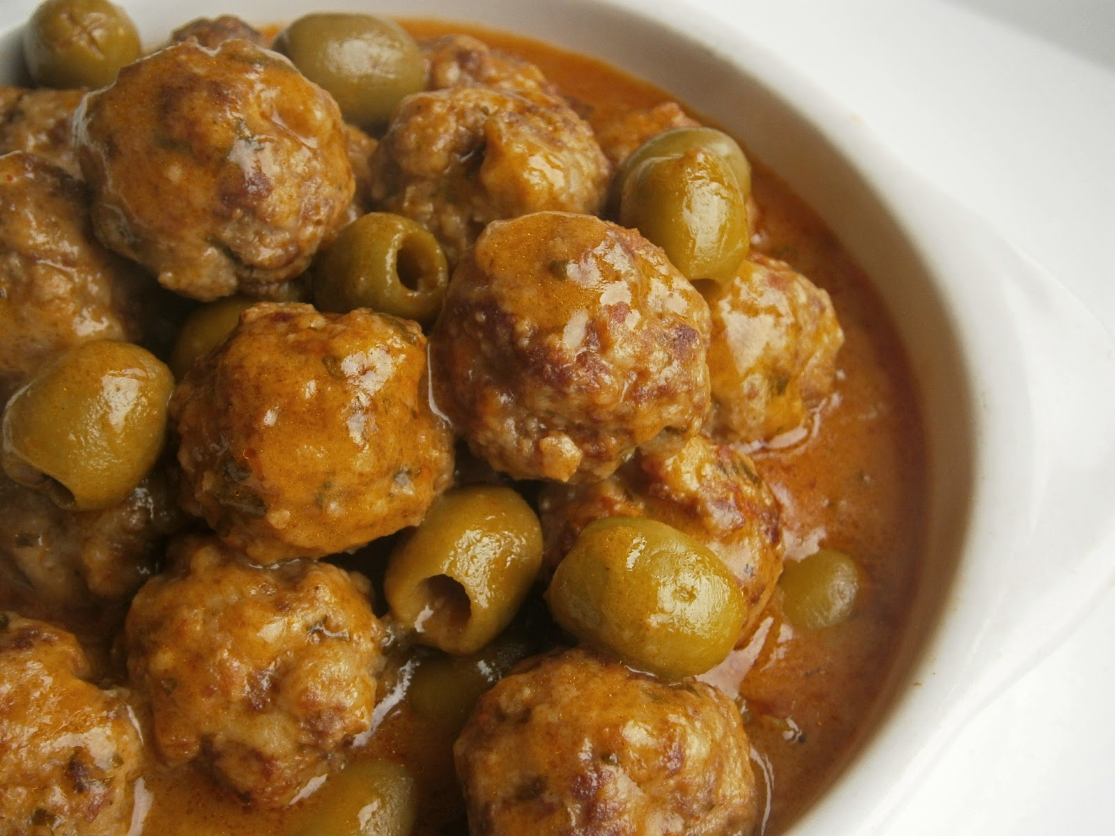 ... on food : Spanish pork and beef meatballs with patatas panaderas