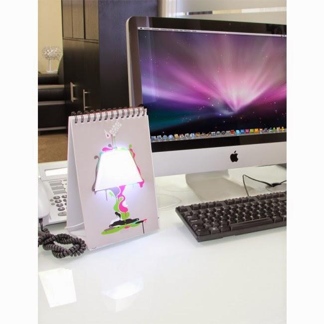 Lámpara USB dibujada en libreta