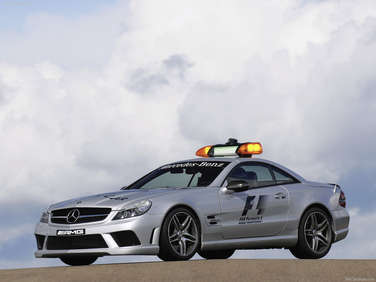 http://3.bp.blogspot.com/-4ICfohfgMA8/TWoJmm5oi6I/AAAAAAACLPw/k3tTAol9lZA/s1600/Mercedes-Benz-SL63_AMG_F1_Safety_Car_2009_1280x960_wallpaper_04.jpg