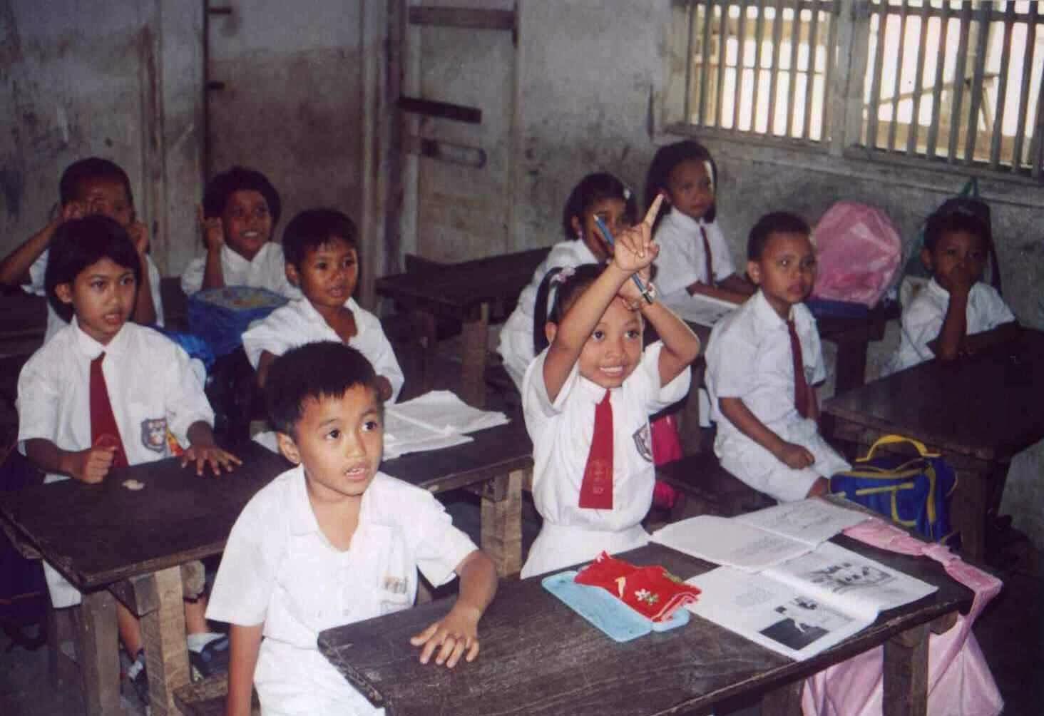 Contoh Artikel Pendidikan Singkat & Fenomenal
