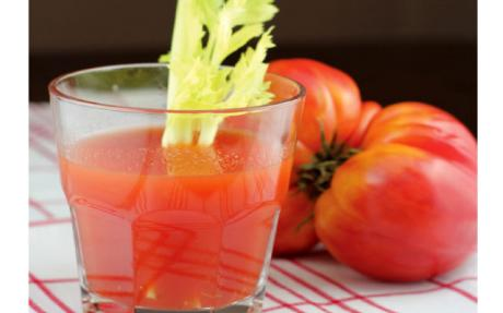 With Tomato Juice Maintain Healthy Heart