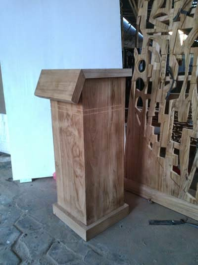 pustek patung kayu jati