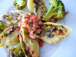 Stuffed pasta SHELL with a vegetable cheese mix and a rosé tomato sauce