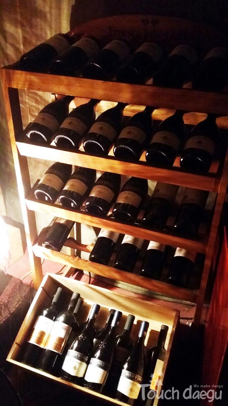 A wine decker
