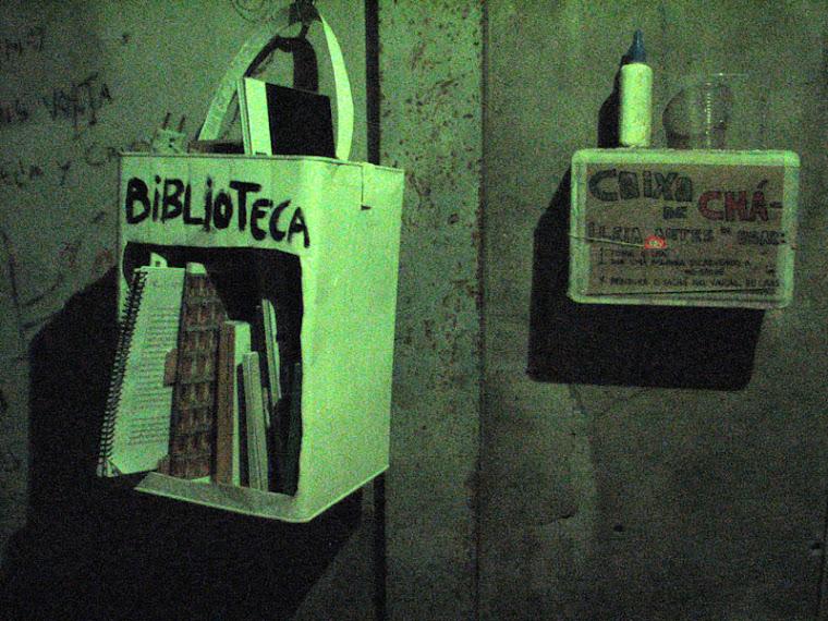Kaza 8 - Biblioteka de Lata