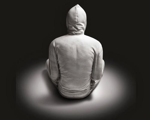 03-Hoodie-3-Australian-Sculptor-Alex-Seton-www-designstack-co