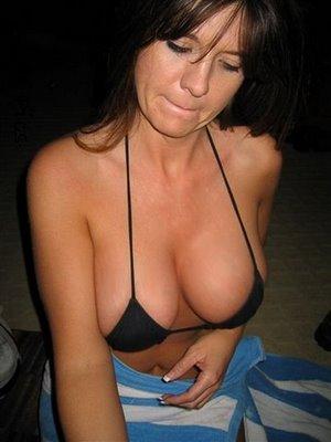 flickzzz.com+boobs+sfw+2007-791135.jpg