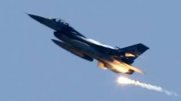 ΞΕΣΠΑΣΕ ΠΟΛΕΜΟΣ! Τουρκικά τανκς εισέβαλαν στην Συρία-Ακατάπαυστοι βομβαρδισμοί από έδαφος και αέρα! (ΒΙΝΤΕΟ)
