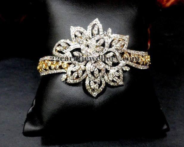 Diamond Choker with Suitable Bracelet