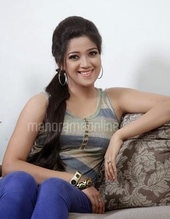 Abhirami Suresh Telugu Actress Hot Beautiful Legs Photoshoot