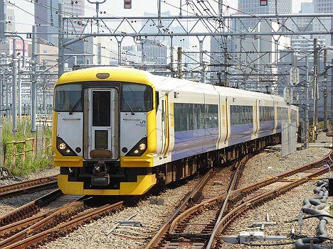 【まさかの専用HMは?】快速サマーホリデー湘南箱根 小田原行き E257系