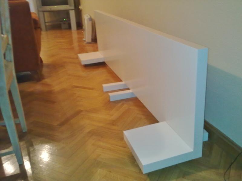 Ikea hack el cabecero de mesas y baldas lack de pedro - Cabecero mesillas integradas ...