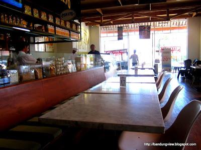 Kafetaria 170 tempat duduk tengah