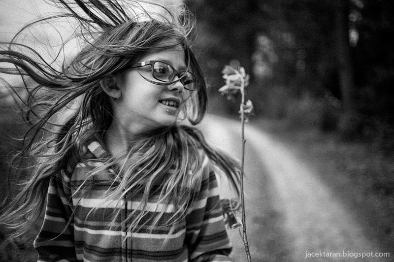 fotografia portretowa, blowin the wind, portret dziecka, jacek taran, fotograf krakow