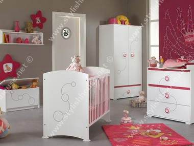 Wonderful and stylish baby bedroom