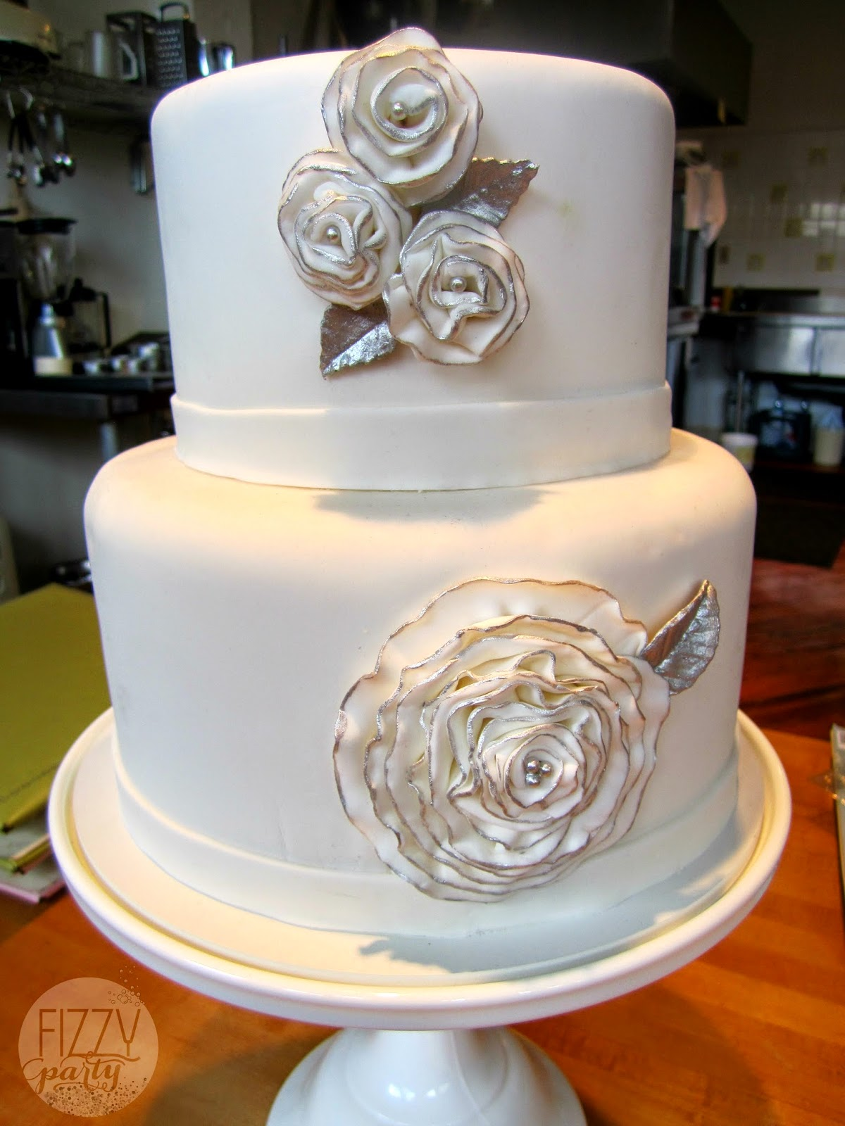 Dream Cakes white wedding cake