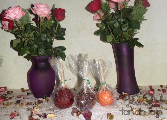 manzanas cubiertas de caramelo, chocolate, y tamarindo