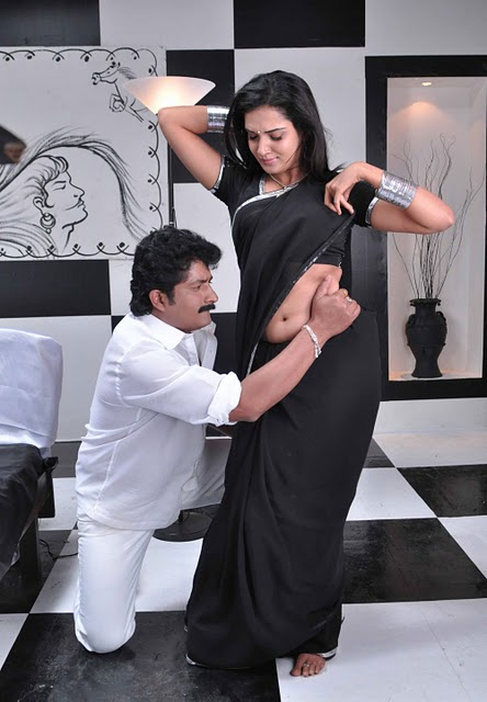Mallufun.com: Honey Rose aka Dhwani latest hot navel show photo ...