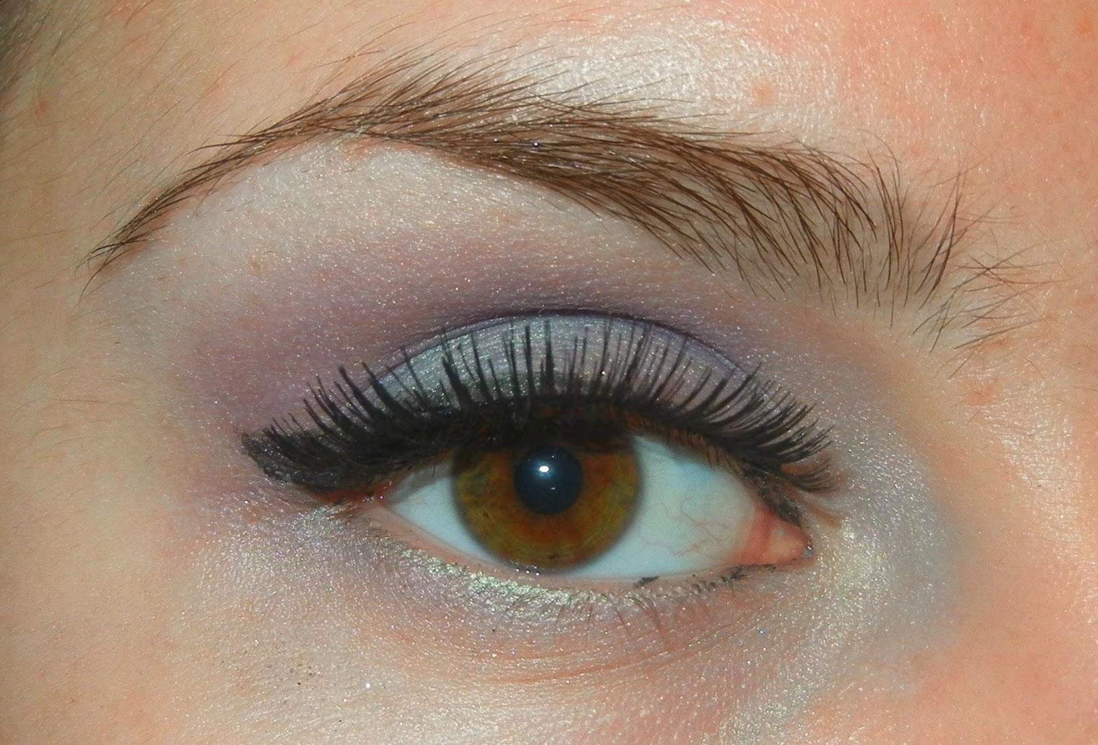 Simple Charm Beauty Purple Turquoise Eye Shadow