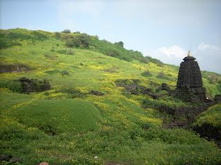 Harishchandreshwar Temple