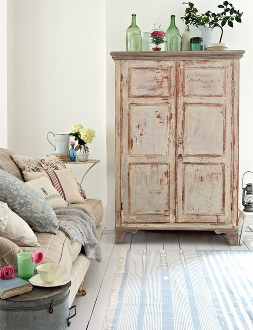 móvel antigo repaginado Decorar a casa de forma simples, decoração com amor.